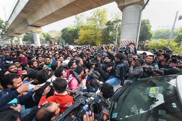 Jamia students call off lockdown