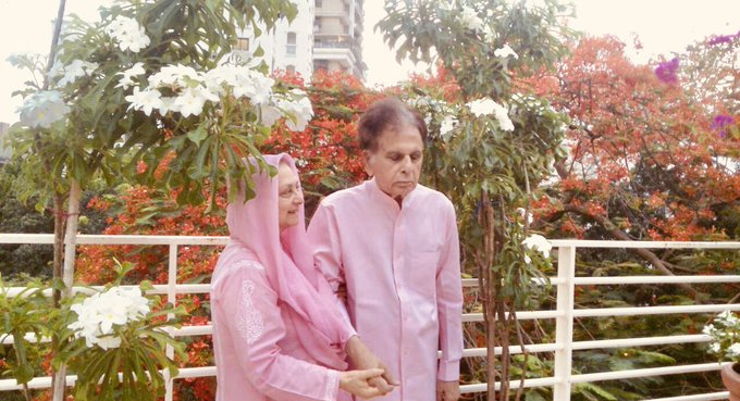 Dilip Kumar and Saira Banu are twinning in pink; see picture