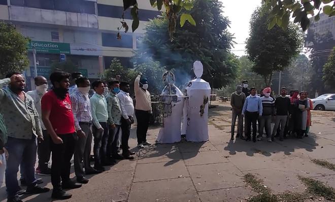 MGNREGA employees stage protest in Jalandhar, seek job regularisation