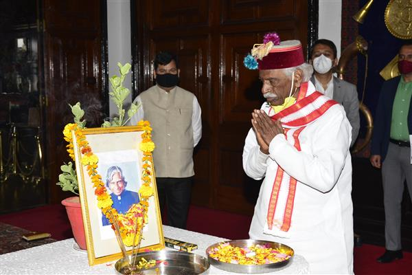 Himachal Governor, CM  pay tributes to Dr Abdul Kalam