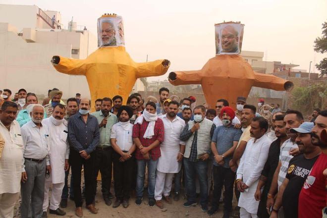 Effigies of Modi, Amit Shah burnt in Jalandhar