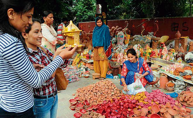 Market buzz to return with vendors