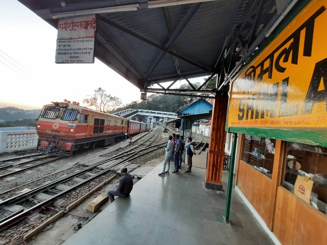 Holiday special train resumes run, only three avail facility