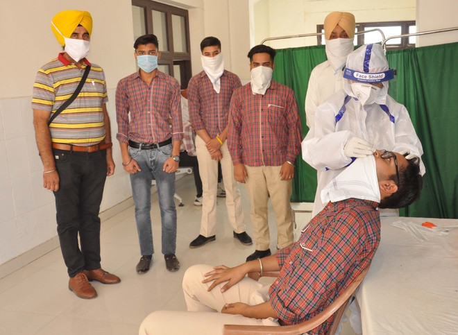 Chheharta school students undergo Covid test