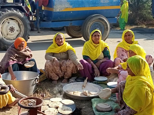 Langar preparations under way to serve thousands of protesting farmers