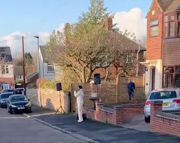 'Indian Elvis' Bal Johal entertains neighbours during UK lockdown