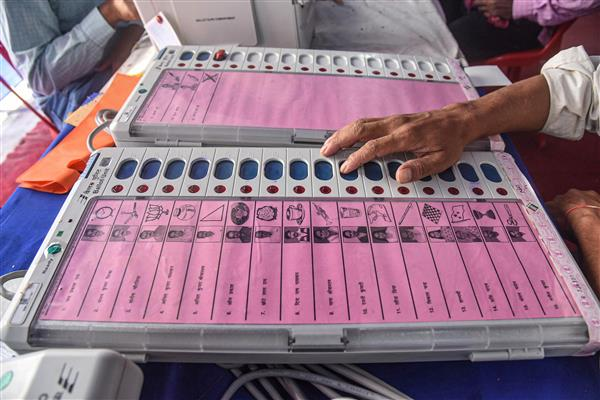 Plea in SC seeks direction to EC to stop using EVMs, use ballot paper in polls