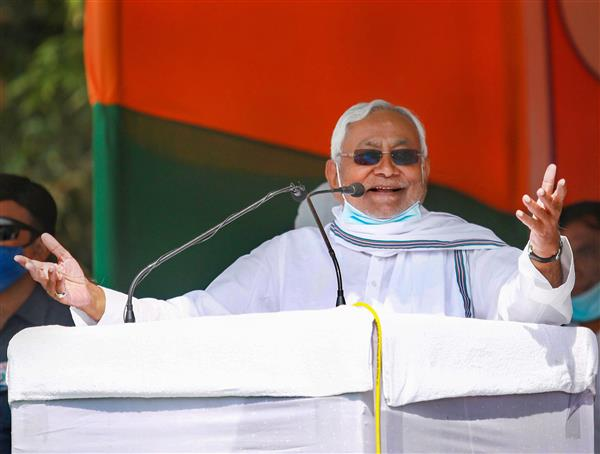 Nitish 'salutes' people for giving majority to NDA in Bihar