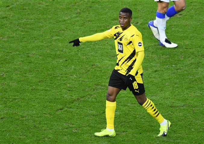 Youssoufa Moukoko, 16, becomes youngest player in Bundesliga history