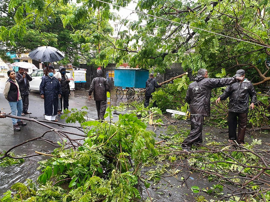 3 killed as cyclone Nivar wreaks havoc in TN