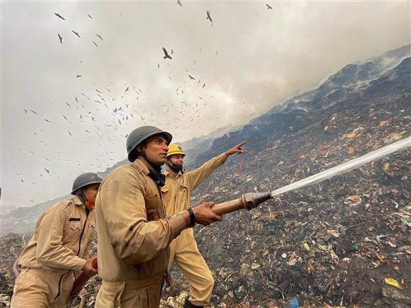 AAP, BJP spar over fire in Ghazipur landfill site