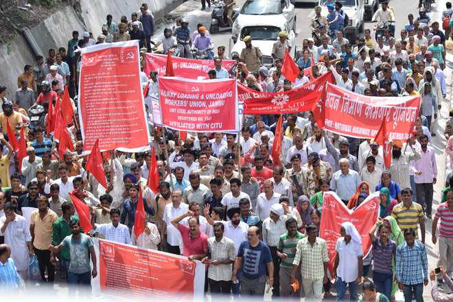 Unions expect about 25 cr workers to participate in nationwide strike on Nov 26