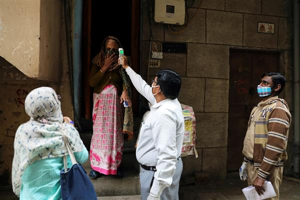 Doorstep survey throws up 1,178 COVID-19 cases in Delhi's containment zones, densely populated area
