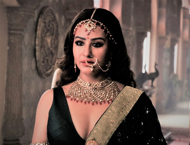 Shilpa Shinde wears the crown of Queen Meerawati for her OTT debut