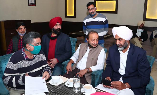 Industrialists meet FM Manpreet, want problems resolved