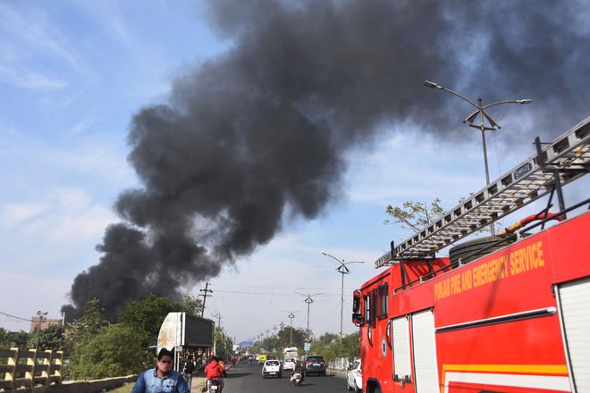Major fire in scrap godown, no casualty