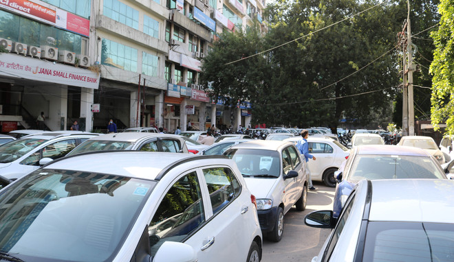 Market association opposes MC's e-auction of parking lots