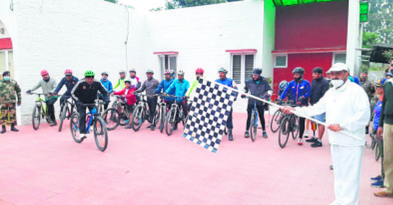 Para-cyclists' Infinity Ride reaches Hoshiarpur