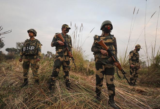 Pak shells villages, forward posts