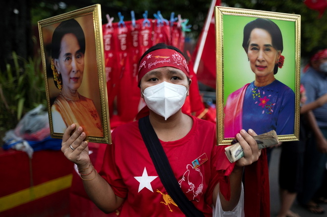 Suu Kyi's party claims victory in Myanmar