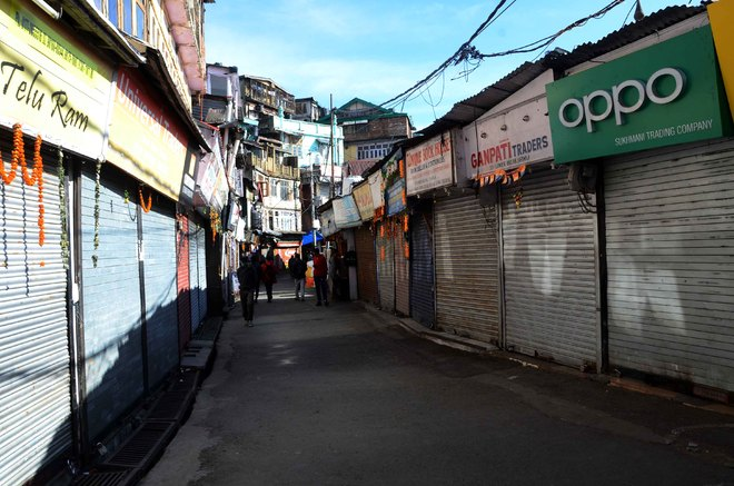 Shimla, Mandi witness surge in cases; restrictions likely again