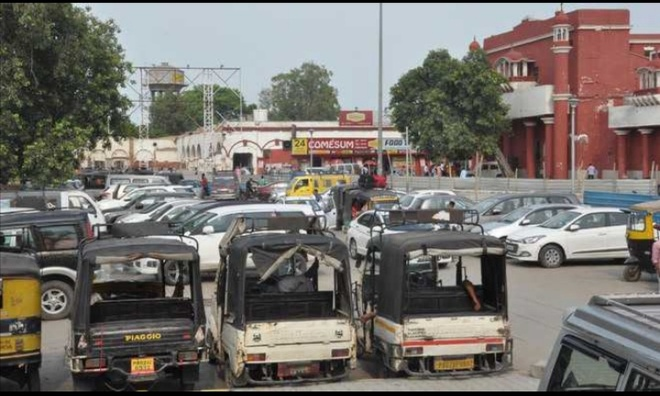 Resumption of train services brings cheer to auto drivers