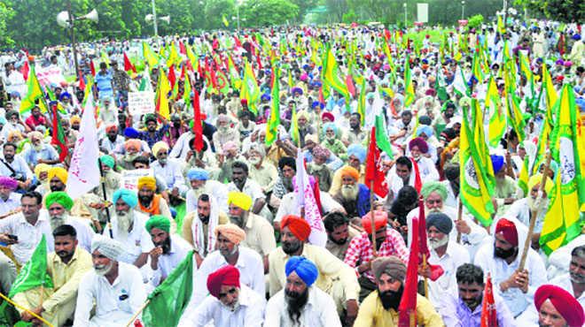 3 lakh Punjab farmers head for Delhi today