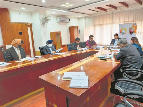 MC Ludhiana, pollution board officials discuss framework for monitoring air quality