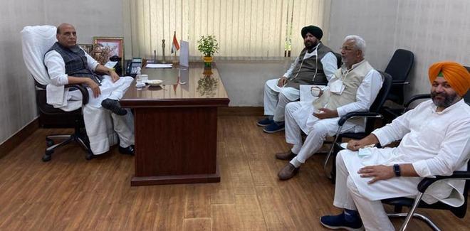 Punjab BJP leaders meet Rajnath Singh, Narendra Tomar