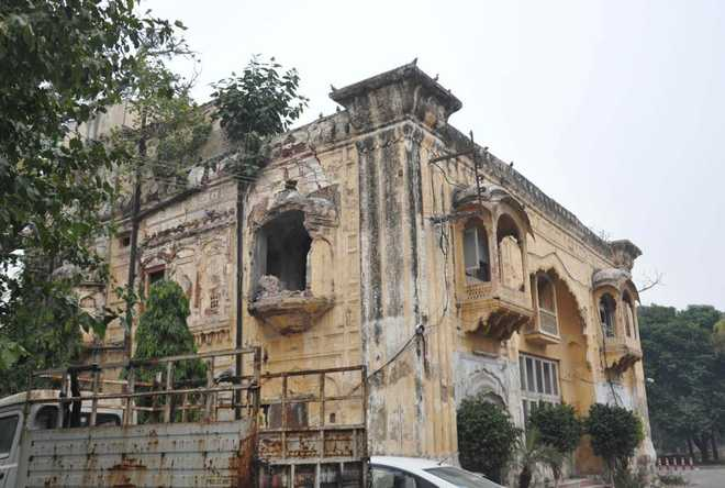 Historic structures in Amritsar lie ignored, need repair