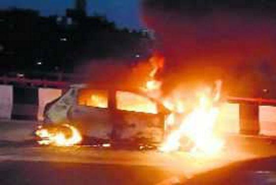 Man dies as car catches fire on Panchkula-Barwala highway