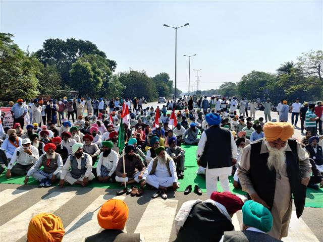 Now, threat of indefinite anti-farm law protests in other parts of country