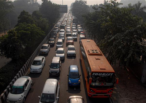 Heavy traffic snarls as farmers' protests continue at Delhi borders for 10th day