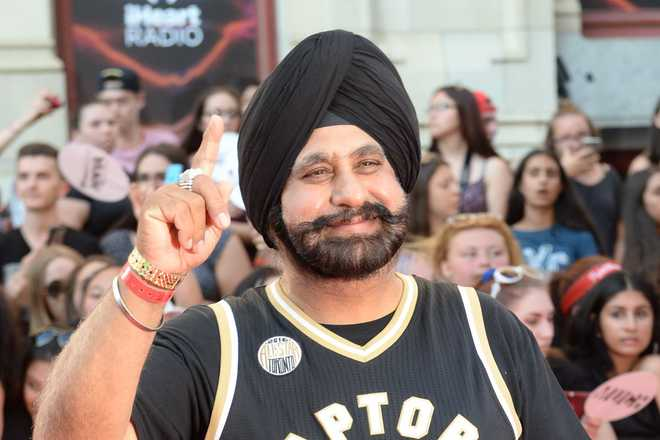 Toronto 'Superfan' Nav Bhatia accepts, then turns down Global Indian Award