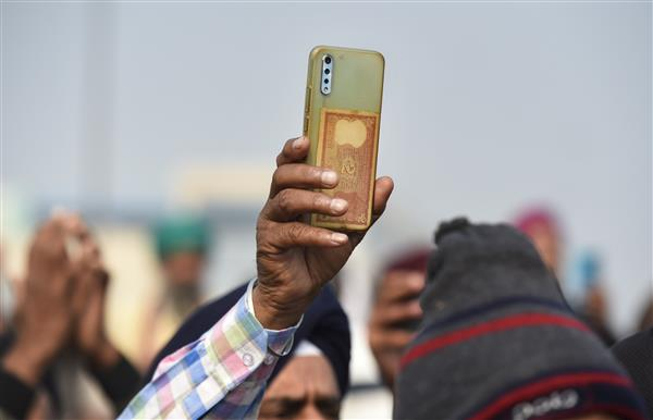 Farmers 'porting' mobile connections in large numbers