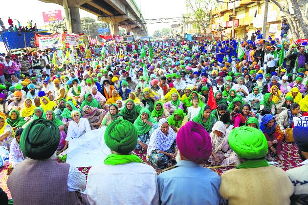Shah meets 'select' union leaders, no breakthrough