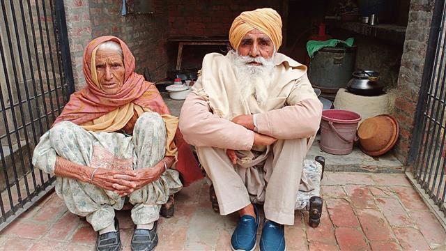 Landless octogenarian couple lends might to Tikri stir