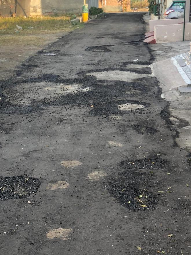 Newly carpeted roads in Mayor's ward peel off
