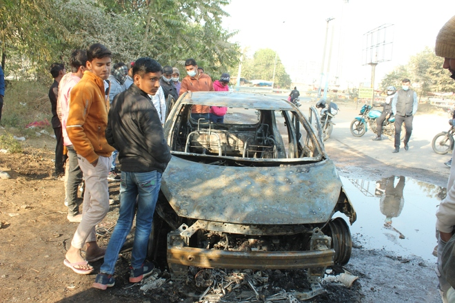 Man burnt alive as vehicle catches fire in Faridabad