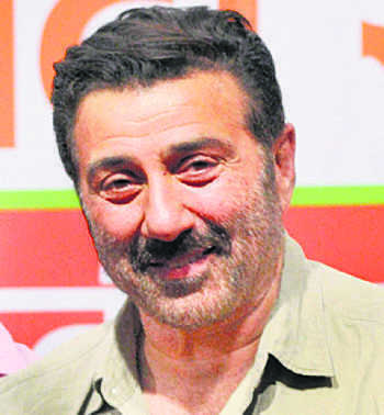 Sunny Deol distances self from Deep Sidhu over farm laws