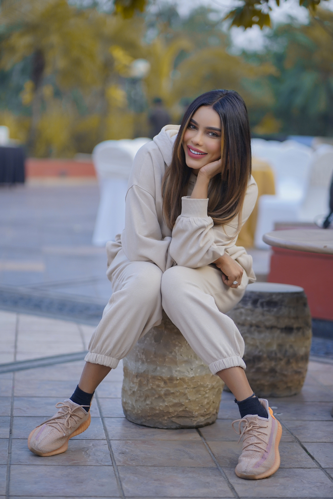 Gizele Thakral is happy that her debut Punjabi music video was with Gippy Grewal