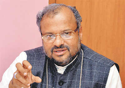 Kerala church shouldn't glorify rape accused Bishop: Priests