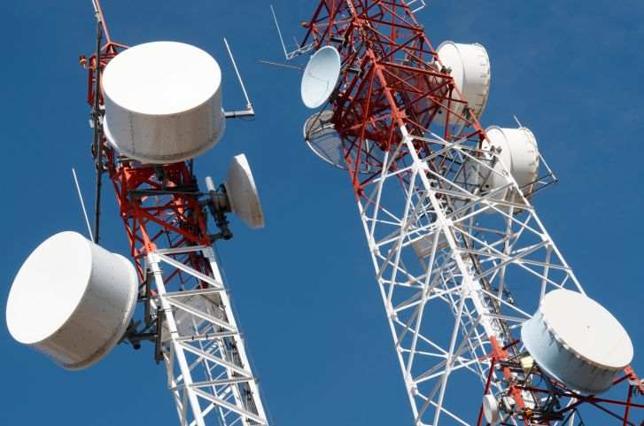 Rival telecom firms make hay out of farmers' stir