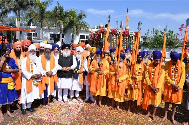 Three-day Hola Mohalla begins at Anandpur Sahib