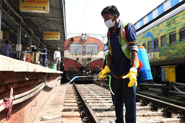 Coronavirus: In two days, Indian Railways cancels 149 trains till April 1