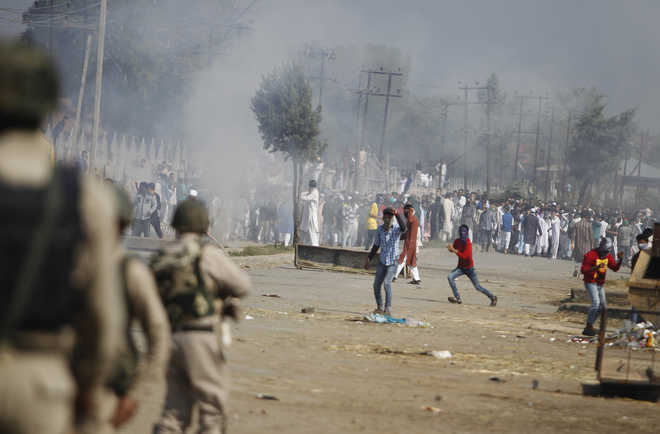 J-K High Court refuses to ban use of pellet guns in Kashmir
