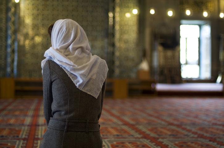 Peshawar mosque opens doors for women after 25 years