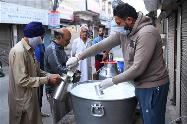 Punjab, Chandigarh wake up to coronavirus-curfew disruptions
