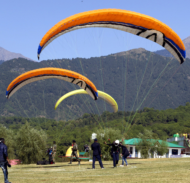 Covid scare: Paragliding world cup called off in Bir-Billing
