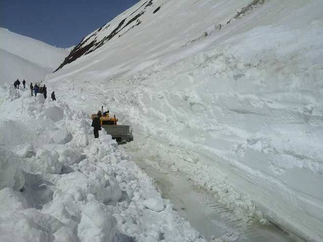 Srinagar-Leh highway may open by March-end